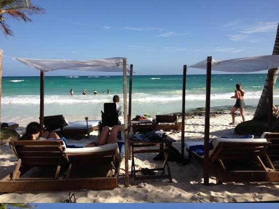 Ana y Jose Beach Club: paradise