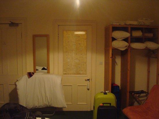 Hanover House Hotel: Room