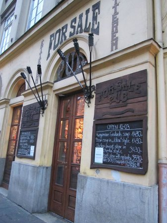 Kempinski Hotel Corvinus Budapest: For Sale Pub
