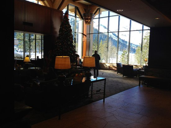 Resort at Squaw Creek: Main lobby