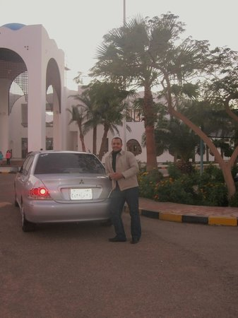 Dahab Resort: AND WITH THE TAXI WAITING, IN 5 MINUTES YOU ARE IN THE CENTRE OF DAHAB