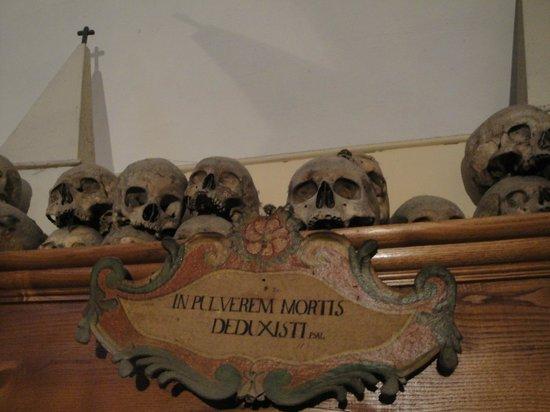 Chiesa dei Morti: TESCHIETTI