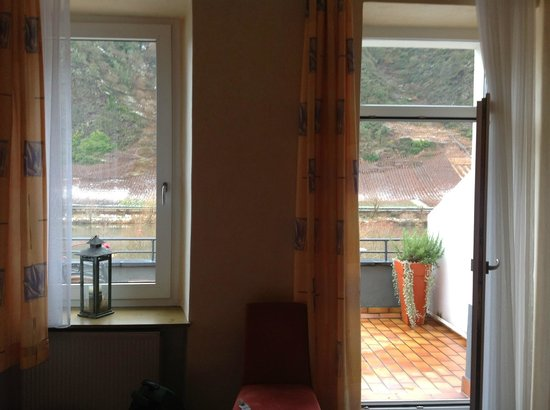 Hotel-Restaurant Stumbergers : Looking out from the bedroom