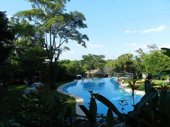 Hotel La Aldea del Halach Huinic: Piscine