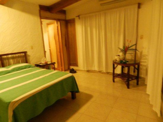 Hotel La Aldea del Halach Huinic: Chambre