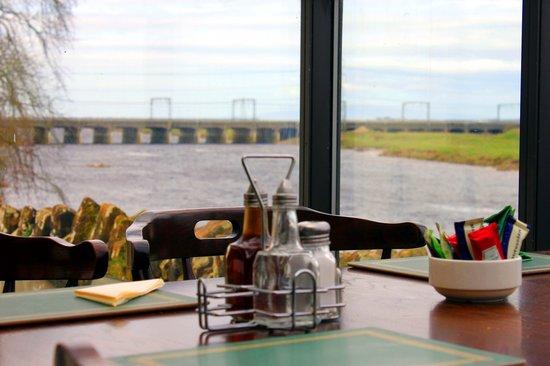 Metal Bridge Inn: Landscape views from the conservatory