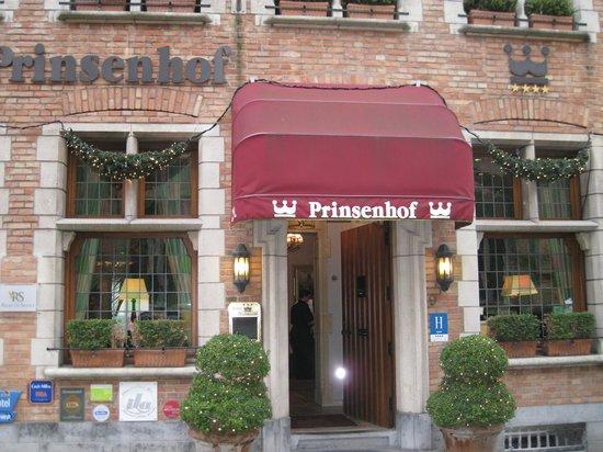 Hotel Prinsenhof Bruges: Front of Hotel Prinsenhof