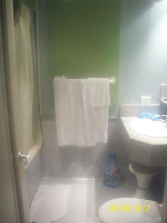 IFA Continental Hotel: Bathroom