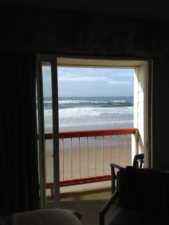 Surftides Lincoln City: Ocean view from room 301