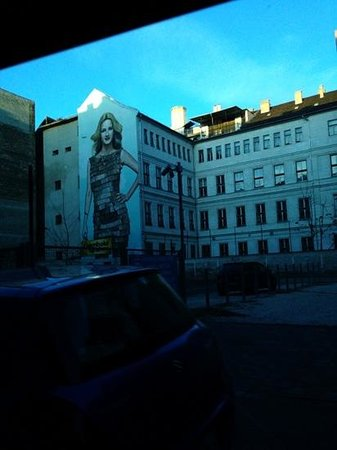 Star Inn Hotel Budapest Centrum, by Comfort: painting in the hotel car park, massive