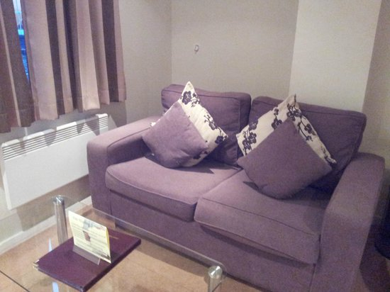 Grand Plaza Serviced Apartments: Sitting area