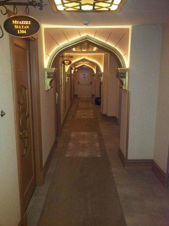 Hotel Sultania: corridor