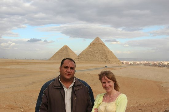 Emad Abu Hadeda - Private Day Tours: The pyramids at Giza