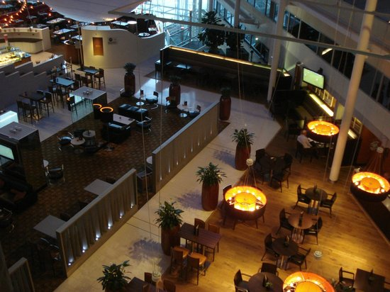 Hilton London Heathrow Airport: Restaurant view