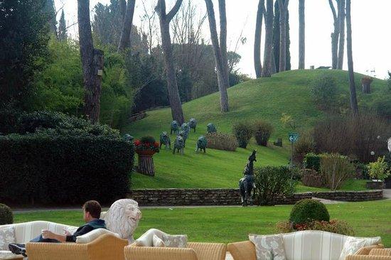 Rome Cavalieri, Waldorf Astoria Hotels & Resorts: Garden