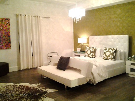 Ithaca of South Beach Hotel: beautiful large room