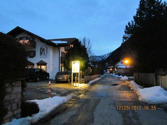Hotel Garni Antonia: Hotel exterior