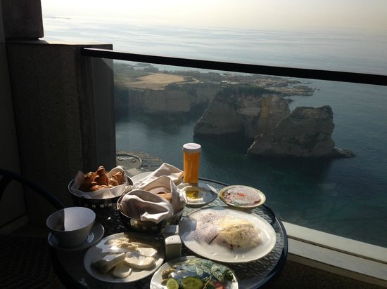 Raouche Arjaan by Rotana: Breakfast from the 14th Floor.