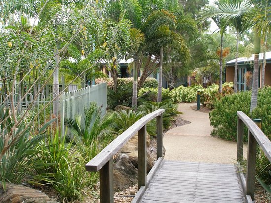 Capricorn Motel & Conference Centre: Walkway