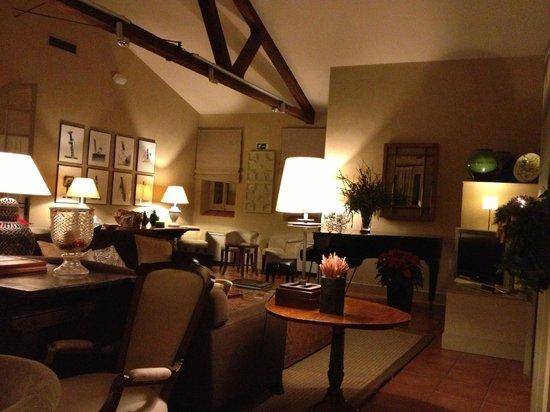 Hotel Bremon: Salón