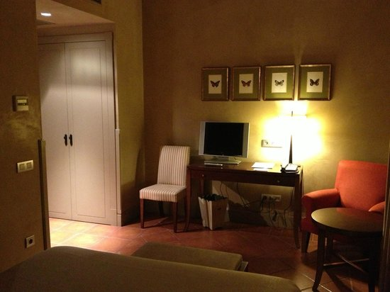Hotel Bremon: Habitación