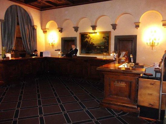 Grand Hotel Baglioni Firenze: portineria