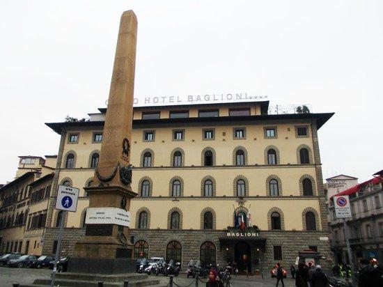 Grand Hotel Baglioni Firenze: albergo frontalmente