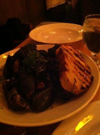 85 Main: mussels