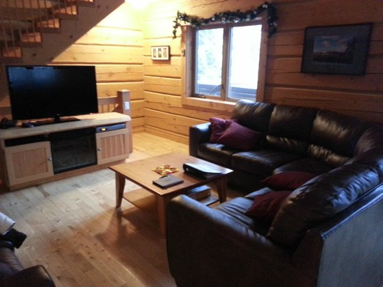 Mount 7 Lodges: Living Space
