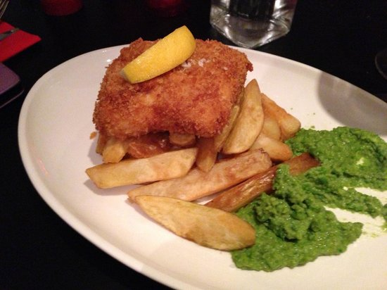 Nelson Street Cafe Restaurant Bar : Fish and chips
