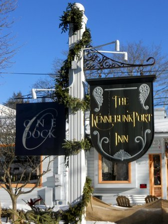 Kennebunkport Inn - Sign