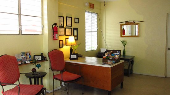 Tropical Guest House: Maria's desk