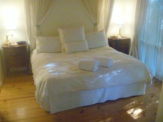 Cottages Monreale: Bedroom - Oakbrook