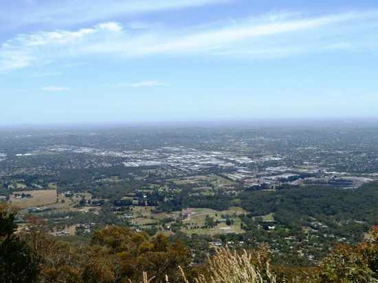 Dandenong, ออสเตรเลีย: Burkes Lookout