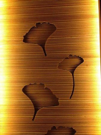 Conrad Seoul : イチョウがホテルのシグネチャーのようです。
