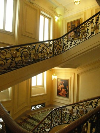 InterContinental Paris Le Grand: Stair case