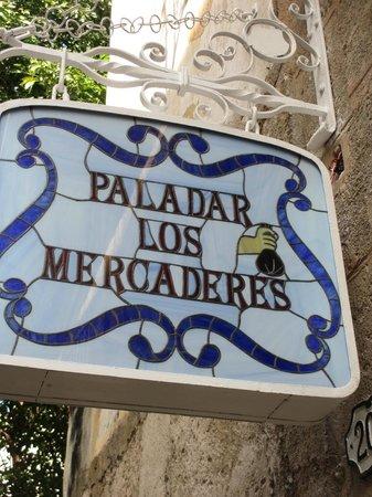 Paladar Los Mercaderes sign