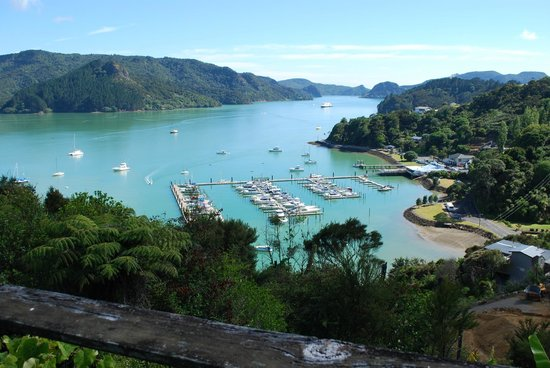 Coastal Chalet Suites: Whangaroa Harbour - 5 minute drive from CCS