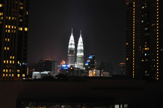 ‪‪Furama Bukit Bintang‬: Illuminated twin towers