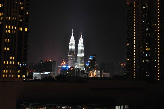 Furama Bukit Bintang: Illuminated twin towers 