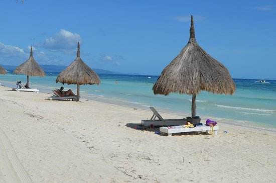 Bohol Beach Club: beach