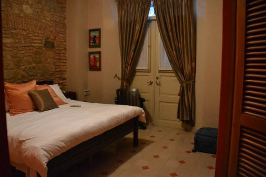 Los Cuatro Tulipanes: One of the bedrooms