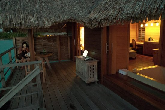 Four Seasons Resort Bora Bora: A view from the deck of our Bungalow