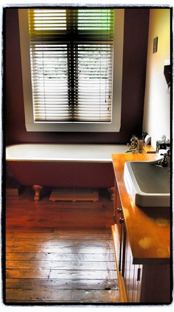 Holly Homestead B&B : room 3 bathroom