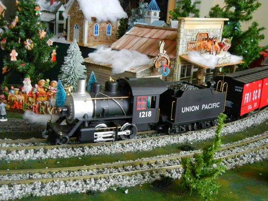 Nathanael Greene/Close Memorial Park: Model train