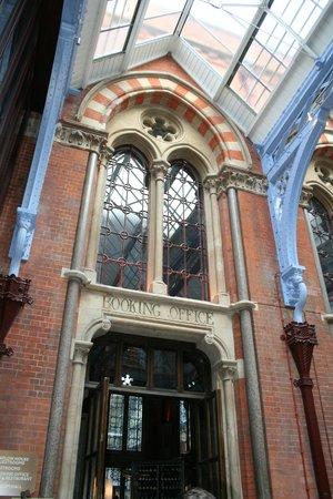 โรงแรมเซนต์แพนคราสเรเนซองส์ ลอนดอน: St. Pancras Renaissance Hotel