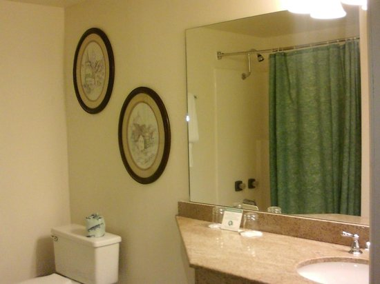 The Historic Santa Maria Inn: One of two vanity areas