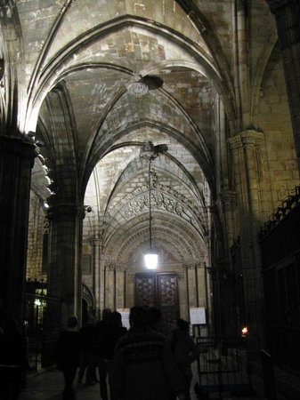 Кафедральный собор - Picture of Gothic Quarter (Barri Gotic), Barcelona - Tri...