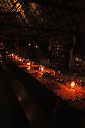 Black Rock Lodge: Dining Hall at Dinner