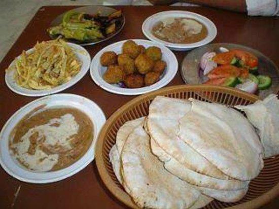Bob Marley House Hostel: egyptian foods at Bob marley house